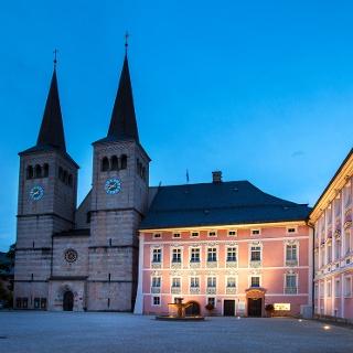 <![CDATA[Das Königliche Schloss Berchtesgaden bei Nacht]]>