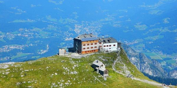 <![CDATA[Hoch über Berchtesgaden thront das Watzmannhaus auf dem Falzköpfl]]>