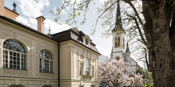 Die evangelische Stadtkirche hinter dem Königlichen Kurhaus Bad Reichenahll