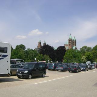 Parkplatz beim Dom