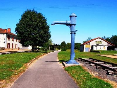 Dampflok-Tankstelle bei Saint-Gengoux-Le-National