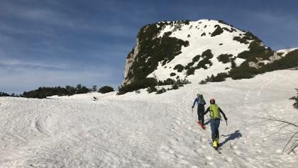 Blick Richtung Steilhang am Ostaufstieg zur Benediktenwand
