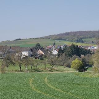 Ortsteil Bingert - im Hintergrund der Lemberg