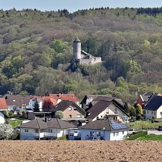 Burg Philippstein hoch über dem gleichnamigen Stadtteil