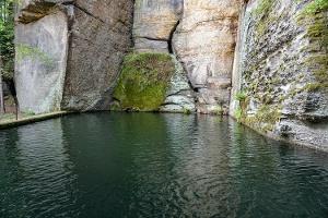 Foto Das Wasserbecken oberhalb der ehemaligen Gelobtbachmühle