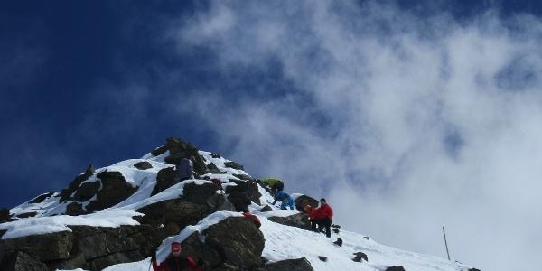 Gipfelaufstieg vom Grat