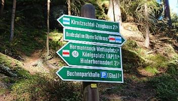 Foto Wegweiser zum Hermannseck