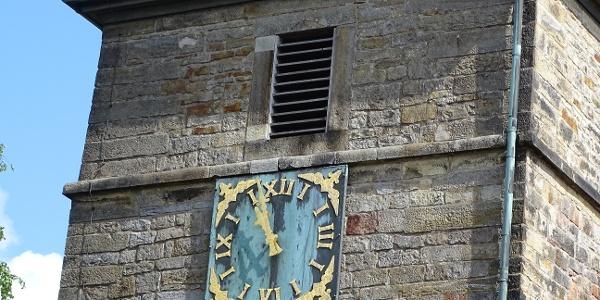 St. Katharinen-Kirche Bergkirchen, Turmuhr