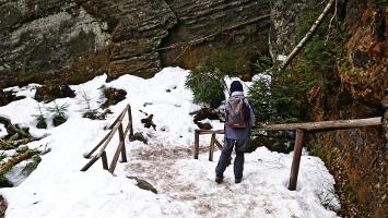 Foto Zugang zur Bennohöhle