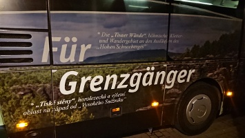 Foto Werbung auf Wanderbus