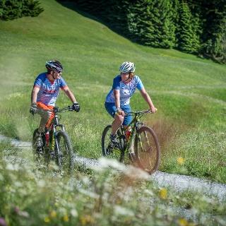 E-Mountainbiketour durch die Lumnezia Genuss