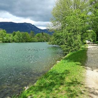 Der Solothurner Uferweg an der Aare.
