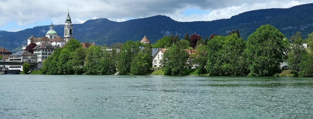 Aare, Solothurn und Jurahöhen.
