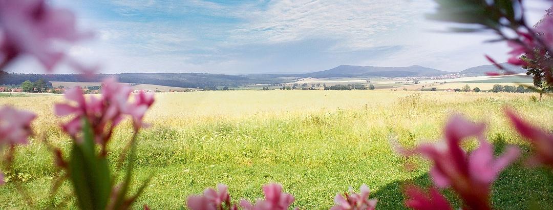 Malerischer Ausblick über die Rhön