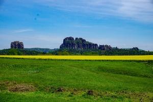 Foto Blick aus Ostrau zu den Schrammsteinen