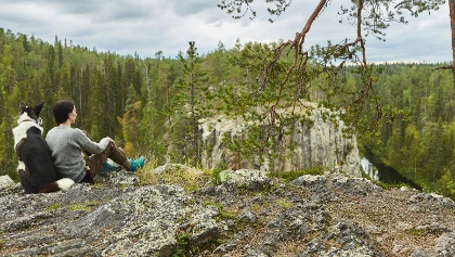 Ristikallio-Felsen auf dem Karhunkierros-Trail