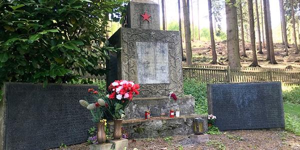 """Der """"Sowjetische Ehrenfriedhof"""""""