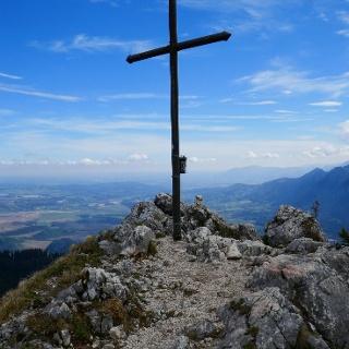 am Gipfel des Ettaler Manndl