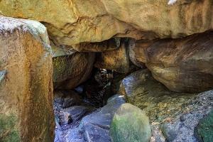 Foto Der Felstunnel in der Wolfsschlucht
