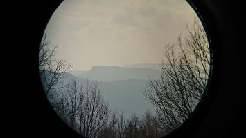 Foto Fernsicht mit Fernglas auf Hohen Schneeberg