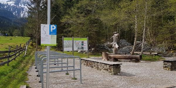 Hiking trail head Eschachalm with bike parking area