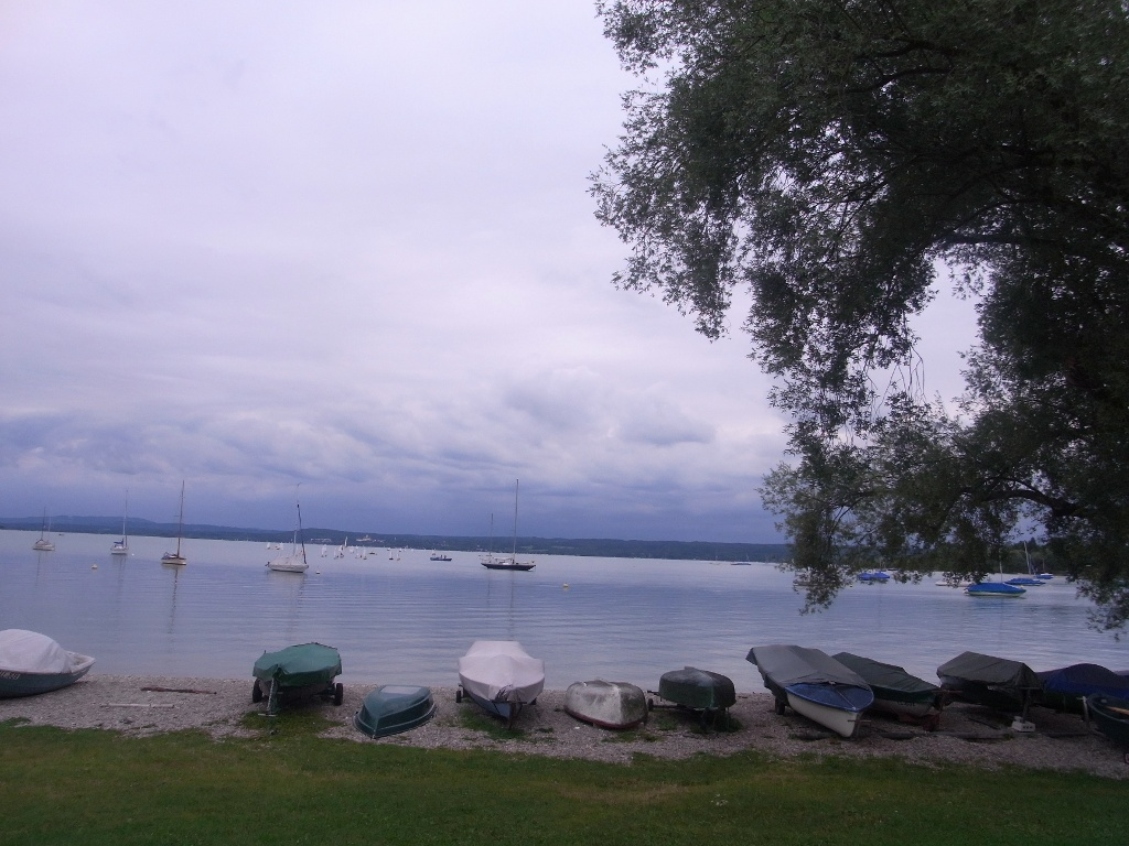 Unterwegs auf der Uferpromenade des Ammersees. (Hanna Finkel)
