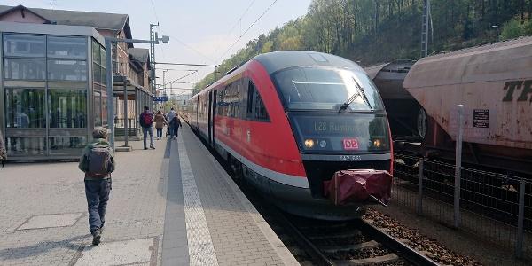 Nationalparkbahn U28 am Bhf in Bad Schandau