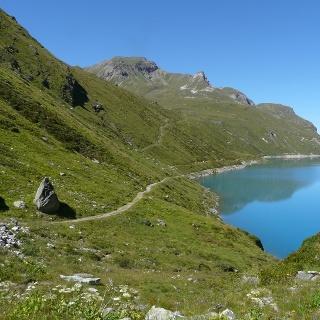 het lage pad langs Lac de Moiry