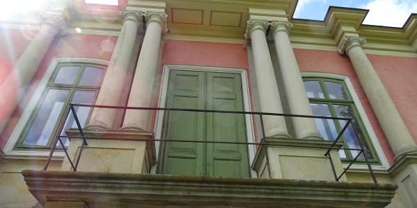 Jagdschloss Baum, Balkon