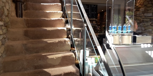 Eistheke am treppenaufgang