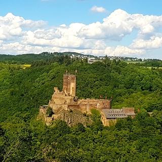 Ehrenburg vom Ehrenburgblick am Saar-Hunsrück-Steig aus