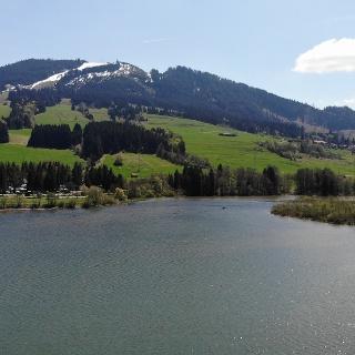 Der Grüntensee am Fuße des Alpspitzes