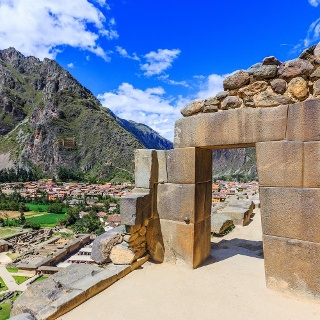 Follow the Incan trail to the hidden waterfall of Perolniyoc and ruins of Raqaypata