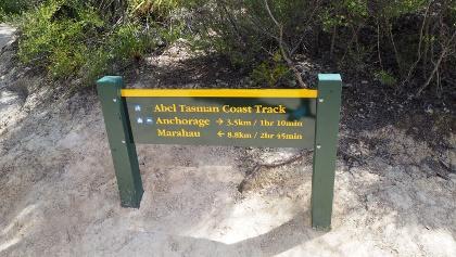 Wegweiser Abel-Tasman Track