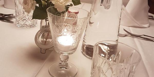 Geniesser-HP gedeckter Tisch