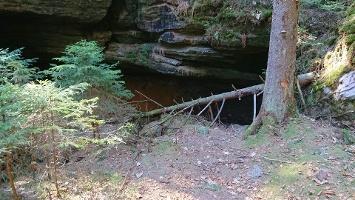 Foto Eingang zur Reißigerhöhle