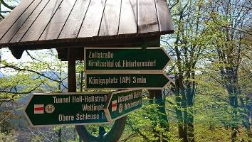 Foto Wegsweiser zum Aussichtspunkt Königsplatz