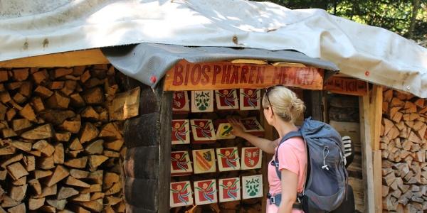 Ein kurzes Gehirnjogging beim Biosphären-Memory. Wissen Sie, welche Flagge zu welcher Biosphären-Gemeinde gehört?