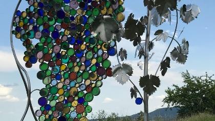 Die größte Weintraube der Welt, ein Kunstwerk auf dem Traubenkogel