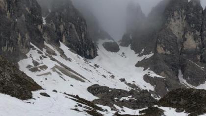 Samstag, 22. Juni 2019, Abstieg zur Hütte. Nur Schnee. Kein Weg in Sicht.