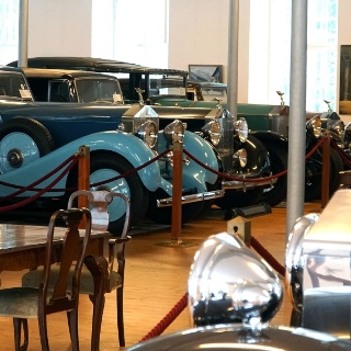 Rolls Royce Automobilmuseum - Blick in die Hall of Fame