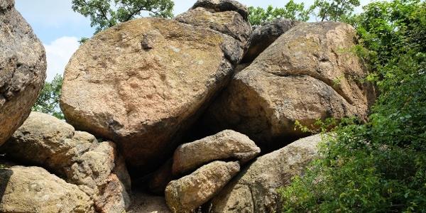 A Pandúr-kő név megtévesztő, mert számtalan kisebb-nagyobb gránitszikláról van szó