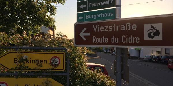 """""""Viezstraße"""" durch Menningen"""