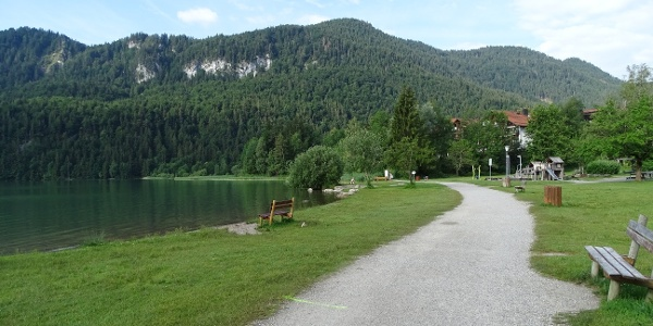 Weg am Freibad Weißensee