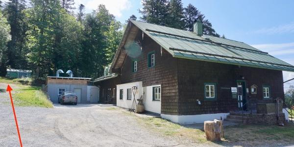 Berghütte Schareben - links geht es zum Reischflecksattel