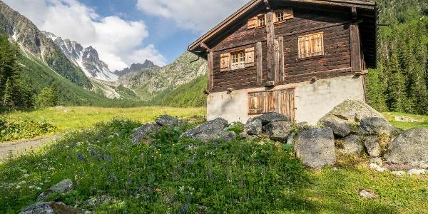 Swiss Chalet with Fenetre d'Arpette Backdrop
