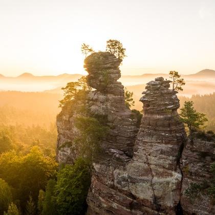 Wandern auf dem Dahner Felsenpfad, Lämmerfelsen in der Pfalz