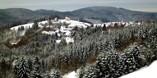 Blick auf Sankt Andreasberg im Winter