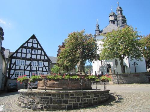 Petrusbrunnen in Hallenberg