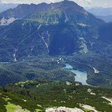 Blick auf die Mieminger Kette und Blindsee vom oberen Gipfelkreuz